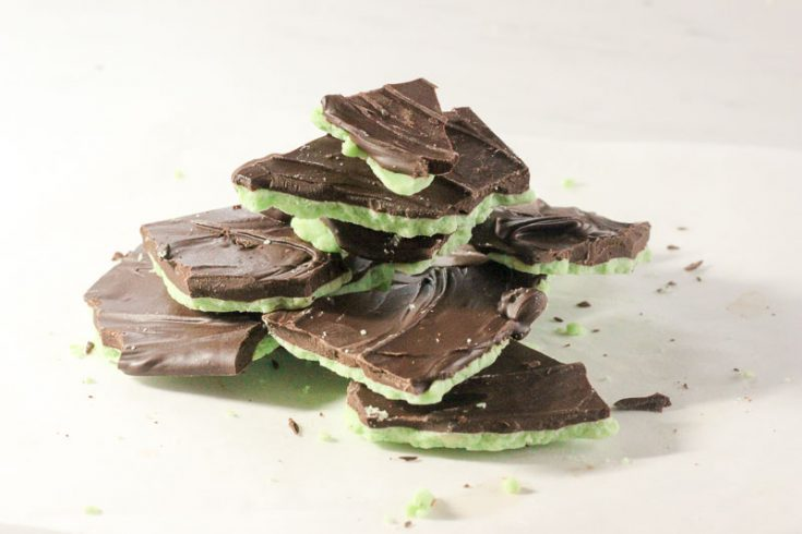 Mint Chocolate Bark - Yes, you CAN use chocolate chips - but here's how!