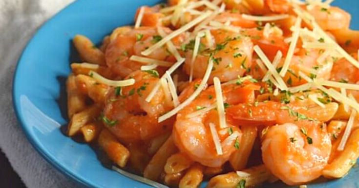 5-Minute Shrimp Pasta with Red Sauce